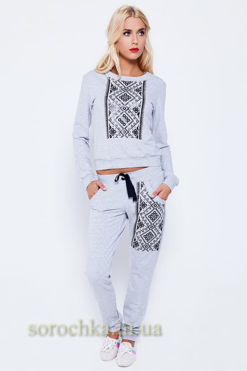 Купить женский спортивный костюм с украинским орнаментом